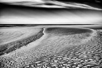 Zeewaterpoeltje op het strand von Remco de Vries