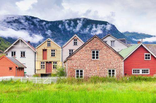 Houten huizen in Lærdalsøyri Noorwegen