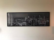 Klantfoto: Nachtpanorama skyline Rotterdam in zwart-wit van PJS foto, als fotoprint