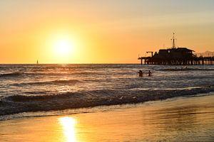 Zon bij Santa Monica Pier van