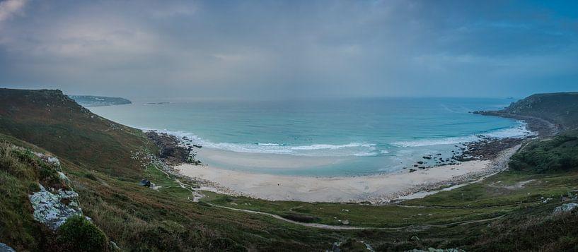 Surfers langs de kust van Zuid-West-Engeland van Anneke Hooijer