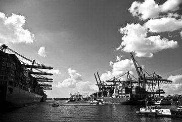 Hafen Hamburg, schwarzweiß von Norbert Sülzner