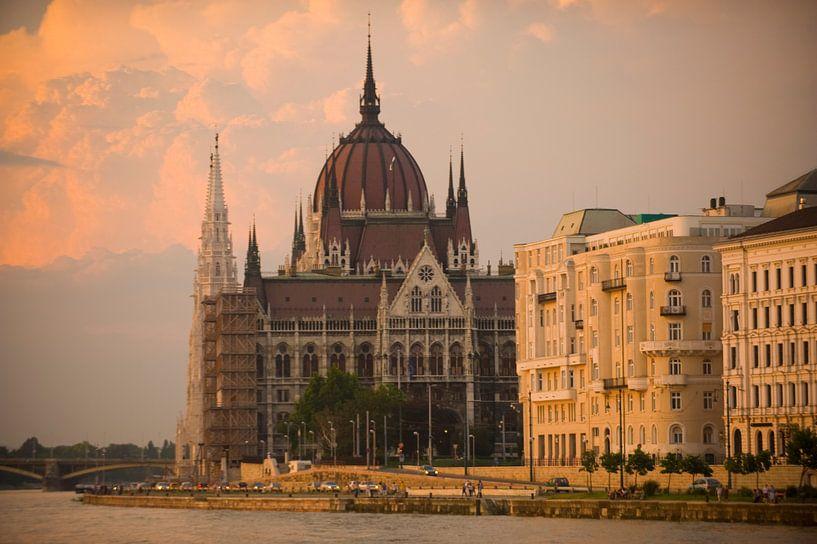 BudaPest Kathedraal van Brian Morgan