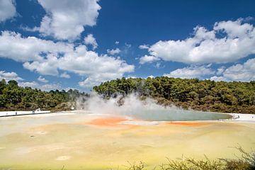 Champagne Pool im Wai-o-Tapu Geothermal Gebiet, Neuseeland von Christian Müringer