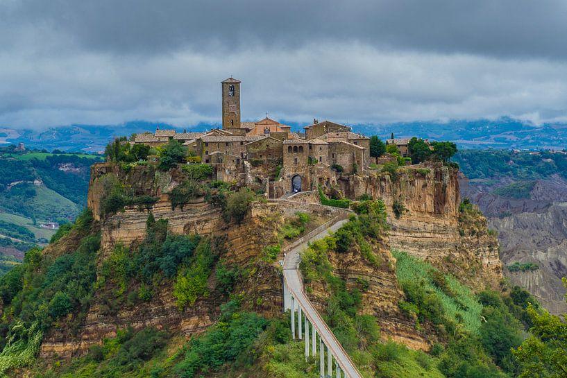 Civita di Bagnoregio, Umbrië, Italië van Henk Goossens