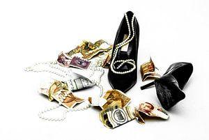Money & Jewelry = love?
