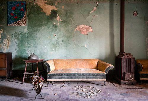 Canapé dans une résidence abandonnée.