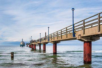 Seebrücke an der Ostseeküste in Zingst von Rico Ködder
