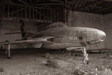 Vergane glorie in een oude vervallen Duitse hangar: een Republic RF-84F Thunderflash fotoverkenne