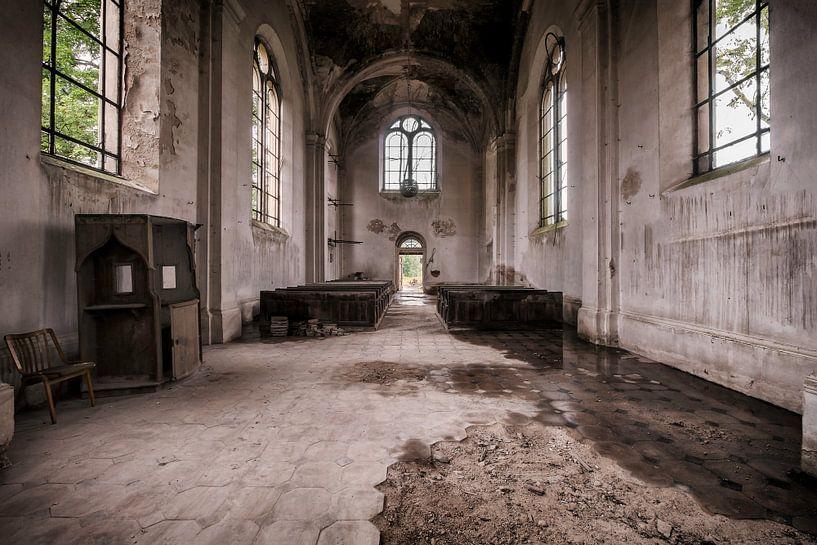 Verlassene Kirche von Vivian Teuns