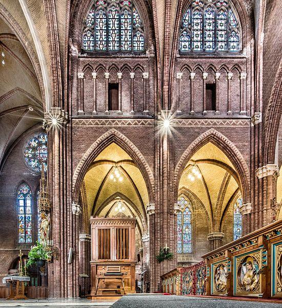 Interieur Bonifatius kerk van Harrie Muis