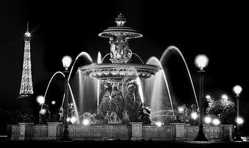 Parijs - Place de la Concorde - Eiffeltoren - zwart wit von Robert-Jan van Lotringen