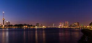 Skyline Rotterdam met Euromast en Erasmusbrug