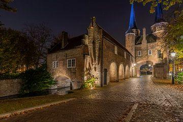 Oostpoort in de nacht.. van Patrick Löbler