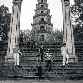 Thien Mu Pagoda in Hué, Vietnam van Sven Wildschut