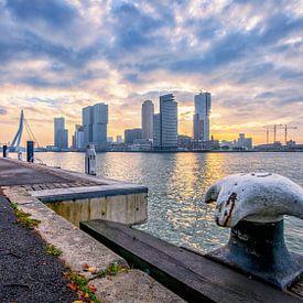Zonsopkomst in Rotterdam van Henri van Avezaath