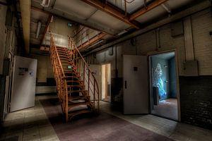 Treppe in eine verlassene gefängnis