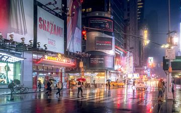 New York city op een koude regenachtige vroege morgen. van Remco Piet