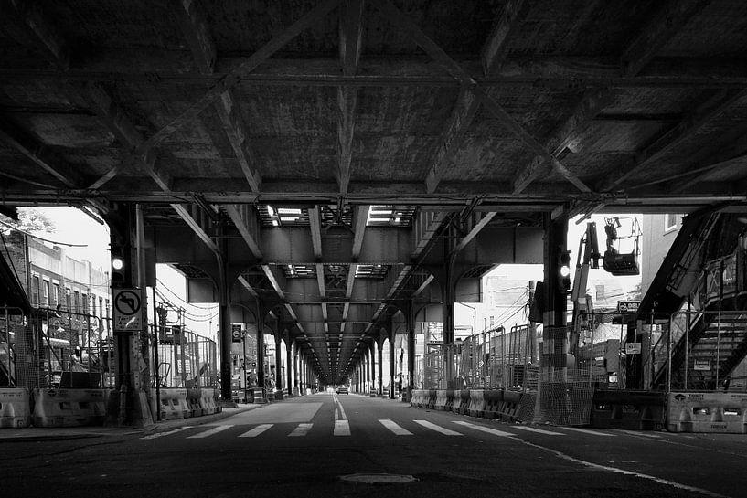 31st street crossing, Astoria, Queens , New York von Marga Verweijen