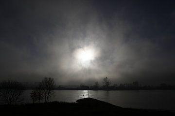 De Lek in de mist Vianen van Menno Bausch