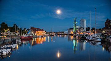 Blaue Nacht im Hafen sur Werner Reins