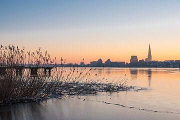 View over the river Warnow to Rostock van Rico Ködder