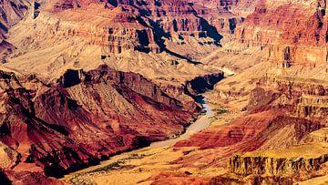 Panorama kleurrijk Grand Canyon National Park met Colorado rivier in Arizona USA van Dieter Walther