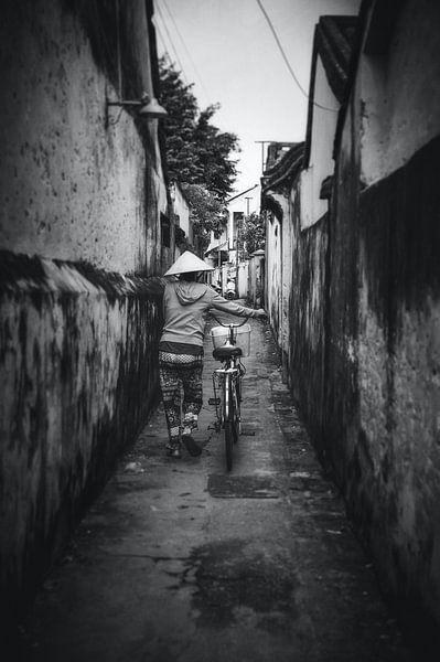 Een smal steegje in Hoi An - Vietnam van Joris Pannemans - Loris Photography
