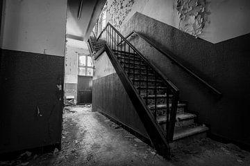 (urbex) stairway to... von mandy sakkers