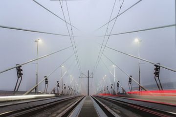 Foggy Rotterdam van Glenn Nieuwenhuis