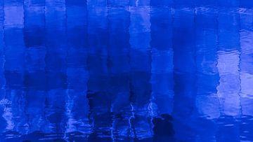 Wie is bang voor blauw... van Margot Klaren