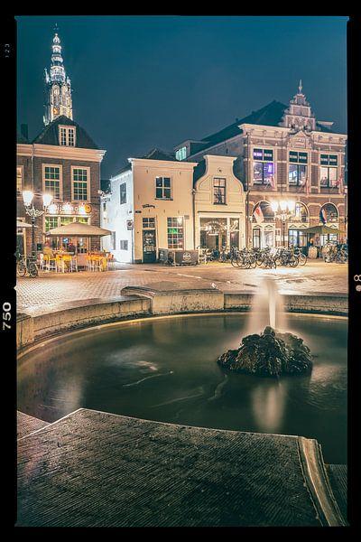 Water spuitende fontein op plein in Amersfoort van Fotografiecor .nl