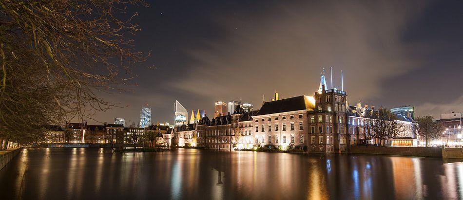 Nachtelijk Den Haag - 2 van Damien Franscoise