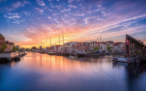 Zonsondergang Galgewater Leiden  van Dick van Duijn