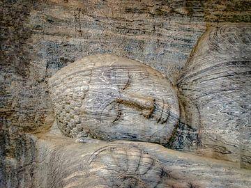 Slapende Boeddha, de Gal Vihara in Sri Lanka van Rietje Bulthuis