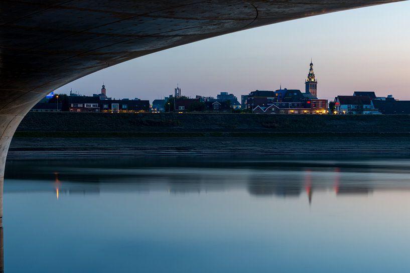 Nijmegen met Stevenskerk van Maerten Prins