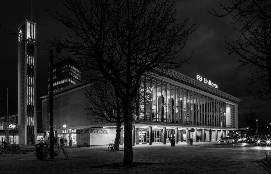 Station Eindhoven van Maurits van Hout