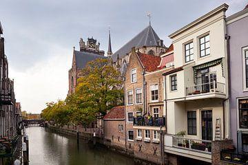 Pelserbrug en oude grachtenpanden land de Voorstraathaven in Dordrecht van Peter de Kievith Fotografie