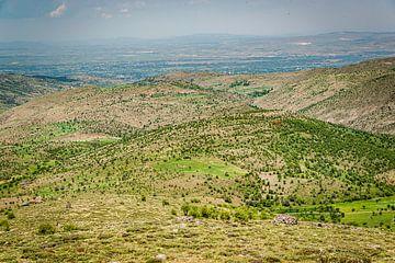 Dreigende luchten in de bergen van Turkije van Roland's Foto's