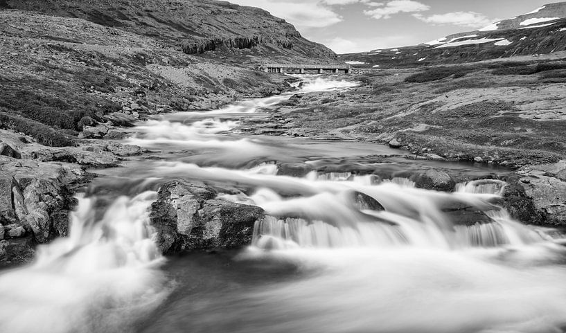 IJslandse Waterval van Menno Schaefer
