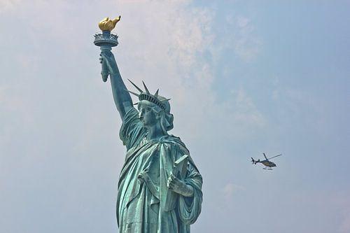 Statue of Liberty, New York von Johnny van der Leelie