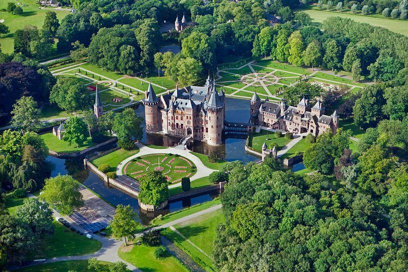 Photo aérienne du château de De Haar à Haarzuilens. sur Frans Lemmens