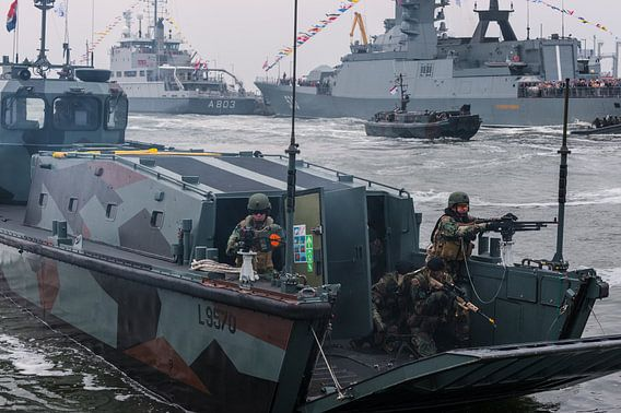 Mariniers in actie van Brian Morgan