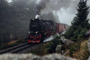 Brockenbahn kommt aus dem Nebel