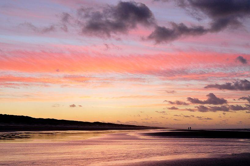 Prachtige zonsondergang aan het einde van de dag van Gonnie van de Schans