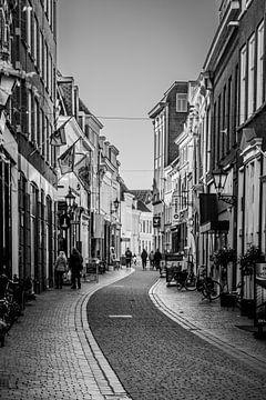 Die Kortemeestraat in Bergen op Zoom (Brabant) von Fotografie Jeronimo