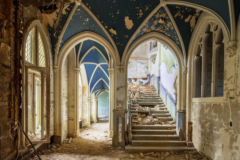 The Mysterious Castle van Oscar Beins