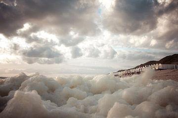 Wolken fallen. von Sonja Pixels