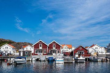 Uitzicht op het dorp Hamburgsund in Zweden van Rico Ködder