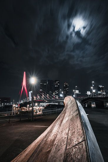 Rode Erasmusbrug in de nacht, Rotterdam zuid-holland
